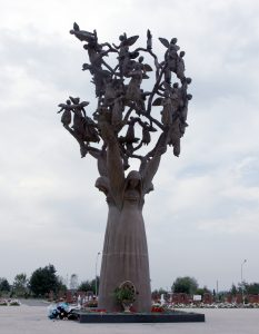 Beslan-monument-tree_of_grief_2
