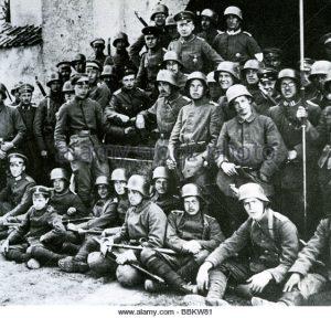 german-freikorps-unit-near-riga-in-may-1919-see-description-below-bbkw81